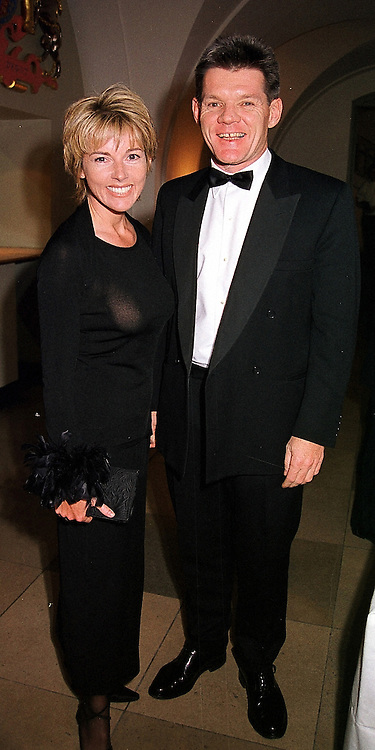 TV presenter MARY NIGHTINGALE and MR PAUL FENWICK, at a dinner in London on 22nd February 2000.OBI 19