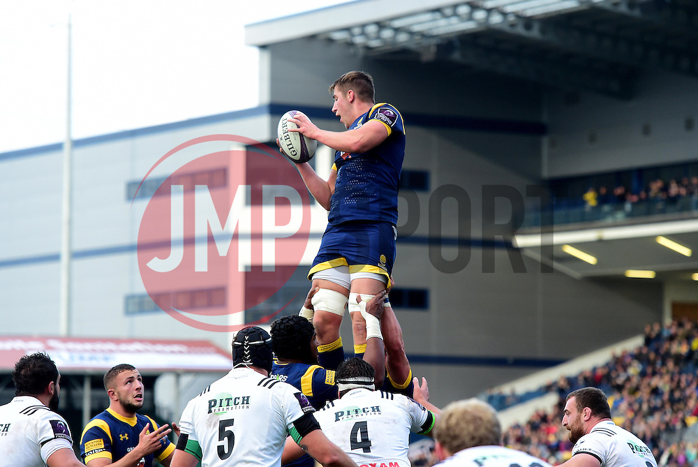 Huw Taylor of Worcester Warriors wins a line out   - Mandatory by-line: Joe Meredith/JMP - 22/10/2016 - RUGBY - Sixways Stadium - Worcester, England - Worcester Warriors v Brive - European Challenge Cup