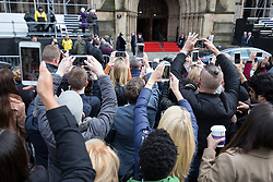 October 14, 2016 - Manchester, Greater Manchester, UK - Manchester , UK . Crowds attempt to take pictures and video of the Duke and Duchess of Cambridge leaving Manchester Town Hall after a visit in Manchester  (Credit Image: © Joel Goodman/London News Pictures via ZUMA Wire)