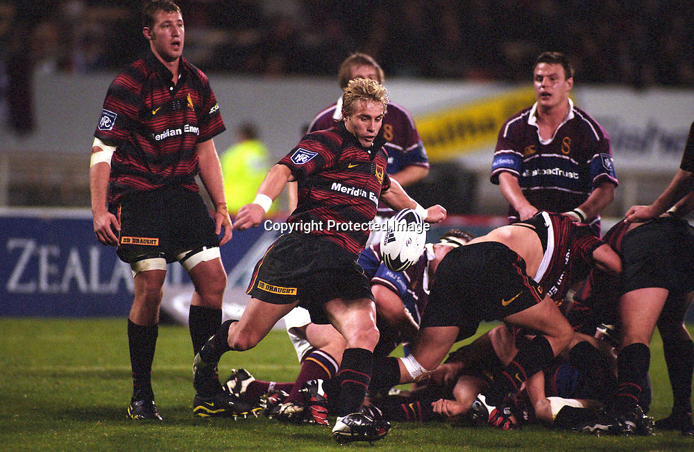 Justin Marshall kicks upfield during the rugby union NPC and Ranfurly Shield match between Canterbury and Southland, 31 August, 2002. Photo: PHOTOSPORT