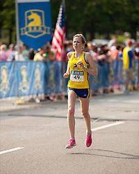 Boston Athletic Association 10K road race: Dionne, Hilary, MA
