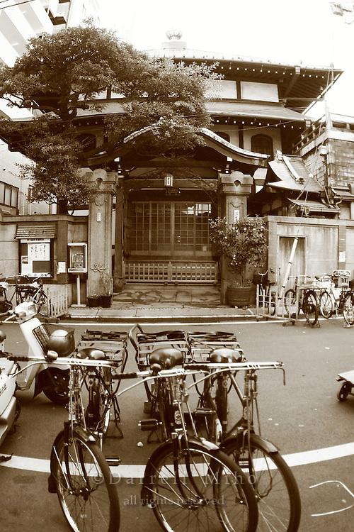 Mar 4, 2006; Tokyo, JPN; Tsukiji.Street scene in Tsukiji..Photo credit: Darrell Miho