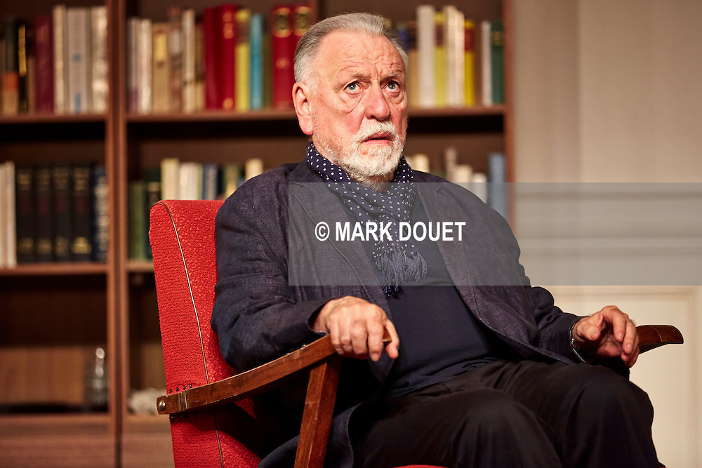 The Father at the Duke of Yorks Theatre. Director James Macdonald