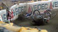 FIM Speedway Grand Prix  2 oktober 2004 ,  VM-finalen  ,  Vikingskipet Hamar Norway<br /> <br /> <br /> Ryan Sullivan - AUS gikk i beskyttelsesgjerdet.<br /> Foto:Dagfinn Limoseth - Digitalsport