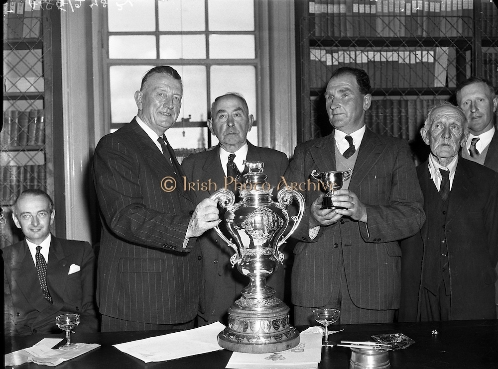 RDS Spring Show - Trophies Presented.08/05/1958