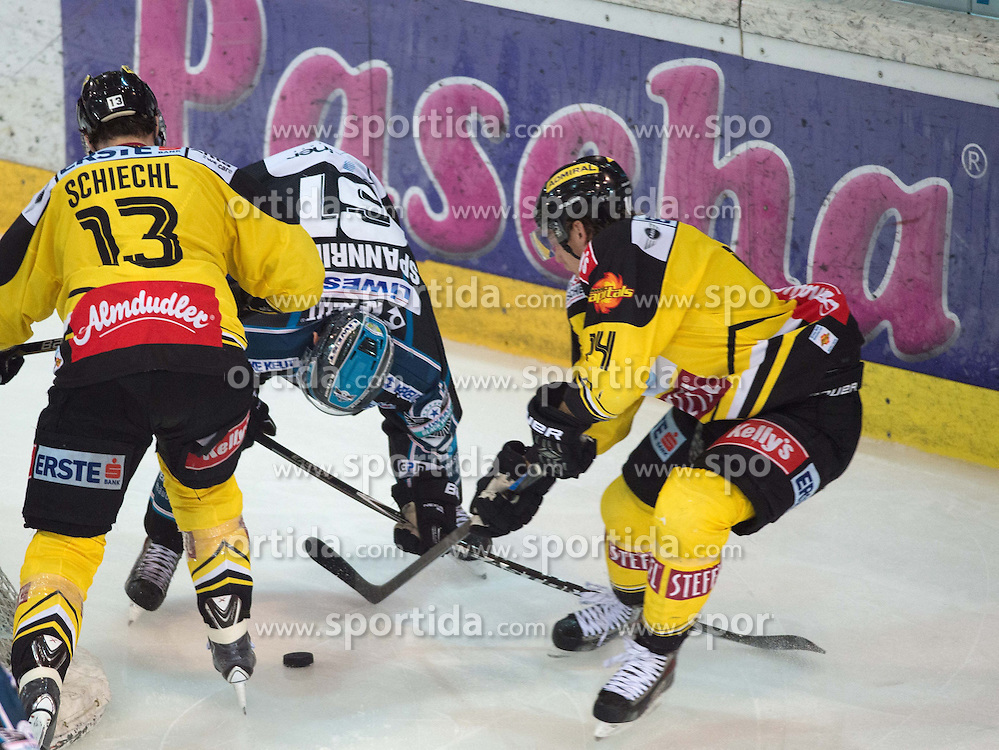 26.03.2015, Keine Sorgen Eisarena, Linz, AUT, EBEL, EHC Black Wings Linz vs UPC Vienna Capitals, 64. Runde, Halbfinale, 3. Spiel, im Bild v.l. Michael Schiechl (UPC Vienna Capitals), Patrick Spannring (EHC Liwest Black Wings Linz) Patrick Peter (UPC Vienna Capitals) // during the Erste Bank Icehockey League 64th round 3rd semifinal match between EHC Black Wings Linz and UPC Vienna Capitals at the Keine Sorgen Eisarena in Linz, Austria on 2015/03/26. EXPA Pictures © 2015, PhotoCredit: EXPA/ Reinhard Eisenbauer