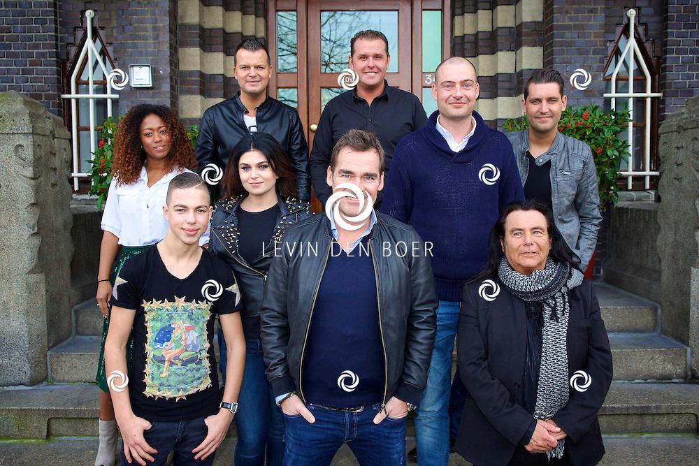 AMSTERDAM - SBS6 Presenteert de finalisten van het programma 'Bloed, Zweet en Tranen'. Met hier op de foto  de kandidaten en juryleden van het SBS6 Programma. FOTO LEVIN DEN BOER - KWALITEITFOTO.NL