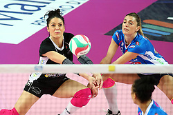 03-05-2017 ITA: Igor Gorgonzola Novara - Liu Jo Volley Modena, Novara<br /> Final playoff match 2 of 5 / STEFANIA SANSONNA en  PICCININI FRANCESCA<br /> <br /> ***NETHERLANDS ONLY***