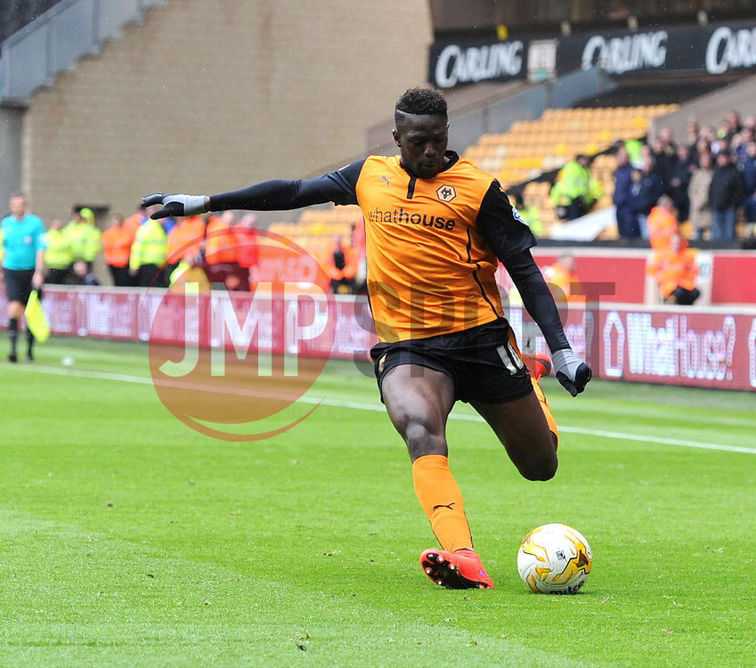 Wolves' Bakary Sako takes a shot at goal  - Photo mandatory by-line: Paul Knight/JMP - Mobile: 07966 386802 - 02/05/2015 - SPORT - Football - Wolverhampton - Molineux Stadium - Wolverhampton Wanderers v Millwall - Sky Bet Championship