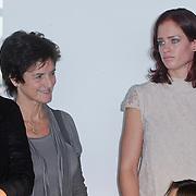 NLD/Rotterdam/20111116 - Presentatie Helden 11 magazine, Lia Endel en Suzanne Harmes