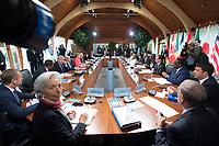 08 JUN 2015, ELMAU/GERMANY:<br /> Christine Lagarde, Direktorin IWF, Donald Tusk, Praesident des Europaeischen Rates, Jacob Zuma, Praesident Suedafrika, Stephen Harper, Premierminister Kanada, Beji Caid Essebsi, Praesident Tunesien, Angela Merkel, Bundeskanzlerin Deutschland, Haider al-Abadi, Ministerpraesident Irak, David Cameron, Premierminister Vereinigtes Koenigreich, Ban Ki-moon, Generalsekretaer Vereinte Nationen, Grossbritannien, Jean Claude Juncker (verdeckt), Praesident Europaeische Kommission,  Guy Rider, Generaldirektor ILO, Roberto Azevedo, Generaldirektor WTO, Jim Kim, Weltbank, Nkosazana Dlamini-Zuma, Vorsitzende der Kommission der Afrikanischen Union, Shinzo Abe, Premierminister Japan, Ellen Johnson Sirleaf, Praesidentin Liberia, Barak Obama, Praesident der USA, Muhammadu Buhari, Praesident Nigeria, Francois Hollande, Praesident Frankreich, Macky Sall, Praesident Senegal, Matteo Renzi, Ministerpraesident Italien, Jose Angel Gurria, Generalsekretaer OECD, (v.L.n.R. im Uhrzeigersinn), vor Beginn der Sitzung der G7-Regierungschefs mit Vertretern afrikanischer Staaten (den sog. Outreach-Staaten) und internationaler Organisationen zu den Themen Entwicklungszusammenarbeit, Frauen und Gesundheit,<br /> Schloss Elmau<br /> IMAGE: 20150608-01-038<br /> KEYWORDS: Garmisch-Patenkrichen, Übersicht, overall view, G7 Summit