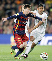 02.04.2016, Camp Nou, Barcelona, ESP, Primera Division, FC Barcelona vs Real Madrid, 31. Runde, im Bild FC Barcelona's Leo Messi (l) and Real Madrid's Carlos Henrique Casemiro // during the Spanish Primera Division 31th round match between Athletic Club and Real Madrid at the Camp Nou in Barcelona, Spain on 2016/04/02. EXPA Pictures © 2016, PhotoCredit: EXPA/ Alterphotos/ Acero<br /> <br /> *****ATTENTION - OUT of ESP, SUI*****