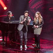 NLD/Hilversum//20170218 - Finale The Voice of Holland 2017, optreden winnares Pleun Bierbooms en coach Waylon