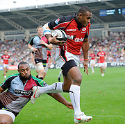 Twickenham, GREAT BRITAIN,  Saracens' Kameli RATUVOU, evades Jordan TURNER-HALL's tackle to run in a try during the Guinness Premiership game, Harlequins vs Saracens at The Stoop Stadium, Surrey on Sat. 19.09.2009.  [Photo. Peter Spurrier/Intersport-images]