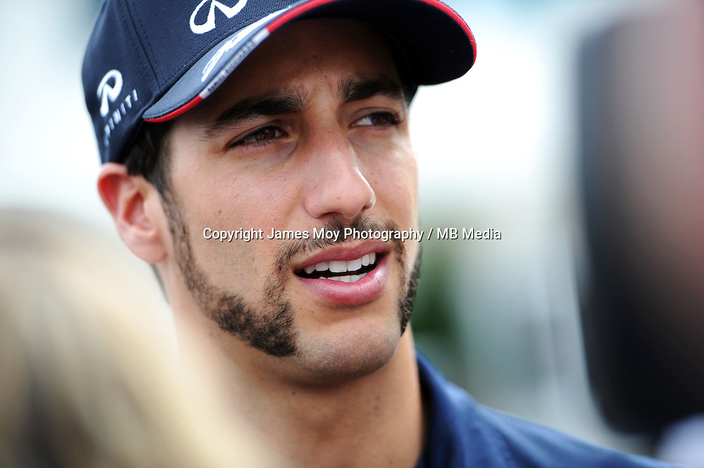 Daniel Ricciardo (AUS) Red Bull Racing with the media.<br /> United States Grand Prix, Thursday 30th October 2014. Circuit of the Americas, Austin, Texas, USA.