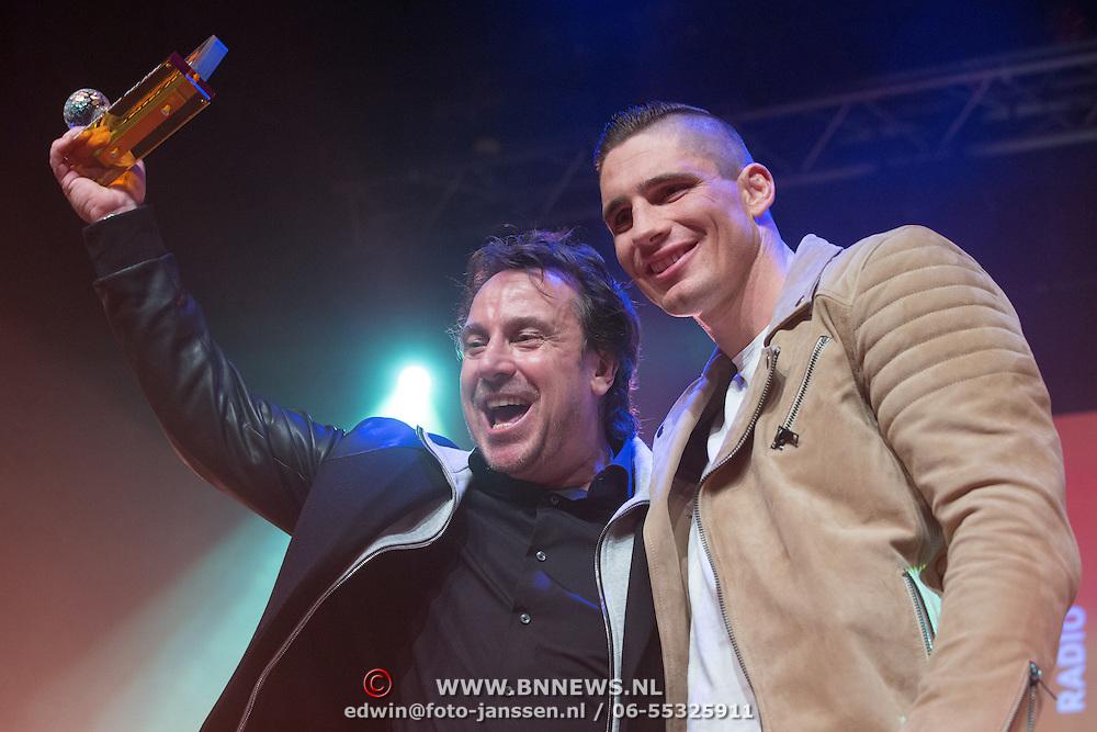 NLD/Uitgeest/20170207 - Uitreiking 100% NL Awards 2016, Marco Borsato prijs voor beste zanger en Rico Verhoeven