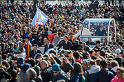 April 19, 2017: Pope Francis greets the crowd as he arrives for a weekly general audience at St Peter's square. Antoine Mekary   Aleteia   I.Media