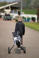 VIJFHUIZEN - Jeugd heeft groepsles op de Haarlemmermeersche Golf Club. COPYRIGHT KOEN SUYK
