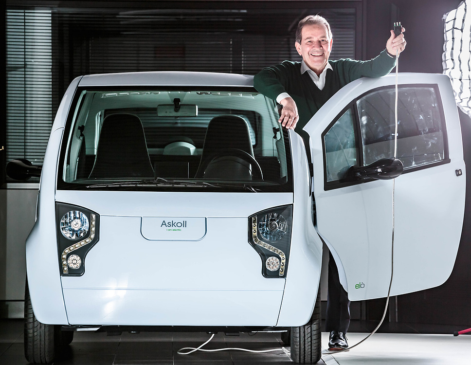 """24 FEB 2017 - Dueville (VI) - """"Askoll"""": Elio Marioni con il prototipo di auto elettrica """"Elò""""."""
