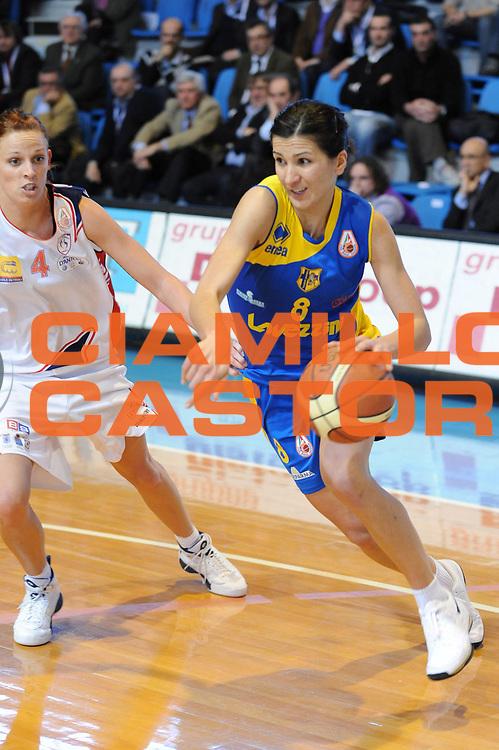 DESCRIZIONE : Faenza Lega A1 Femminile 2008-09 Coppa Italia Semifinale Cras Basket Taranto Lavezzini Parma <br /> GIOCATORE : Maria Chiara Franchini<br /> SQUADRA : Lavezzini Parma<br /> EVENTO : Campionato Lega A1 Femminile 2008-2009 <br /> GARA : Cras Basket Taranto Lavezzini Parma<br /> DATA : 07/03/2009 <br /> CATEGORIA : penetrazione<br /> SPORT : Pallacanestro <br /> AUTORE : Agenzia Ciamillo-Castoria/M.Marchi