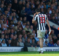 30.04,2011, Hawthorns, West Bromwich, ENG, PL, West Bromwich Albion FC vs Aston Villa FC, im Bild West Bromwich Albion's Paul Scharner walks off dejected after being send off for a second yellow card during the Premiership match against Aston Villa at the Hawthorns, EXPA Pictures © 2011, PhotoCredit: EXPA/ Propaganda/ *** ATTENTION *** UK OUT!