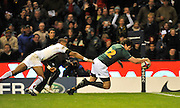 Twickenham, GREAT BRITAIN, SA.'s, Jaque FOURIE, evades Delon ARMITAGE's, tackle to drop down and score a second half try, during the Investec Challenge Series, England vs South Africa  [RSA], Autumn Rugby International at Twickenham Stadium, Surrey on Sat 22.11.2008 [Photo, Peter Spurrier/Intersport-images]