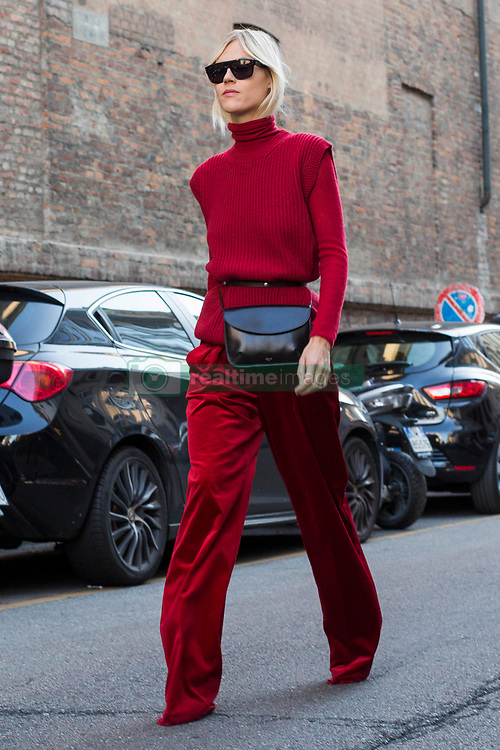 Fashion: street style at Milan Fashion Week 2017 outside of the Max Mara show in Milan on September 21, 2017. 21 Sep 2017 Pictured: Street style at Milan Fashion Week 2017 outside of the Max Mara show in Milan on September 21, 2017. Photo credit: Stefano Costantino / MEGA TheMegaAgency.com +1 888 505 6342