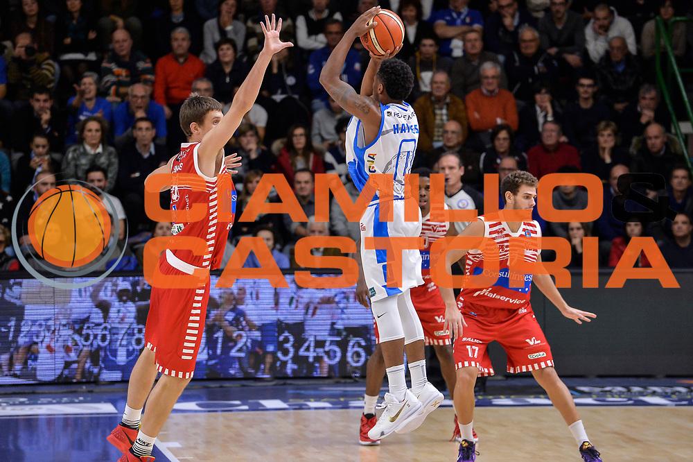 DESCRIZIONE : Campionato 2015/16 Serie A Beko Dinamo Banco di Sardegna Sassari - Consultinvest VL Pesaro<br /> GIOCATORE : MarQuez Haynes<br /> CATEGORIA : Tiro Tre Punti Three Point Controcampo<br /> SQUADRA : Dinamo Banco di Sardegna Sassari<br /> EVENTO : LegaBasket Serie A Beko 2015/2016<br /> GARA : Dinamo Banco di Sardegna Sassari - Consultinvest VL Pesaro<br /> DATA : 23/11/2015<br /> SPORT : Pallacanestro <br /> AUTORE : Agenzia Ciamillo-Castoria/L.Canu
