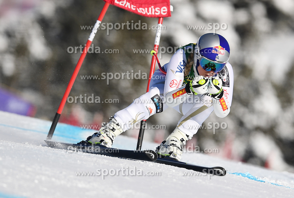 03.12.2017, Lake Louise, CAN, FIS Weltcup Ski Alpin, Lake Louise, Super G, Damen, im Bild Lindsey Vonn (USA) // Lindsey Vonn of the USA in action during the ladie's Super G of FIS Ski Alpine World Cup in Lake Louise, Canada on 2017/12/03. EXPA Pictures &copy; 2017, PhotoCredit: EXPA/ SM<br /> <br /> *****ATTENTION - OUT of GER*****