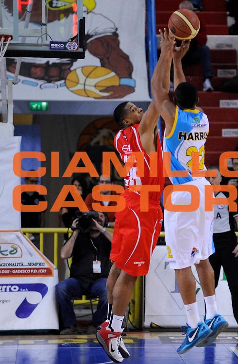 DESCRIZIONE : Cremona Lega A 2012-13 Vanoli Cremona EA7 Olimpia Armani Jeans Milano<br /> GIOCATORE : Richard Hendrix<br /> SQUADRA : EA7 Olimpia Armani Jeans Milano<br /> EVENTO : Campionato Lega A 2012-2013<br /> GARA : Vanoli Cremona EA7 Olimpia Armani Jeans Milano<br /> DATA : 19/11/2012<br /> CATEGORIA : Stoppata Difesa Controcampo<br /> SPORT : Pallacanestro<br /> AUTORE : Agenzia Ciamillo-Castoria/A.Giberti<br /> Galleria : Lega Basket A 2012-2013<br /> Fotonotizia : Cremona Lega A 2012-13 Vanoli Cremona EA7 Olimpia Armani Jeans Milano<br /> Predefinita :