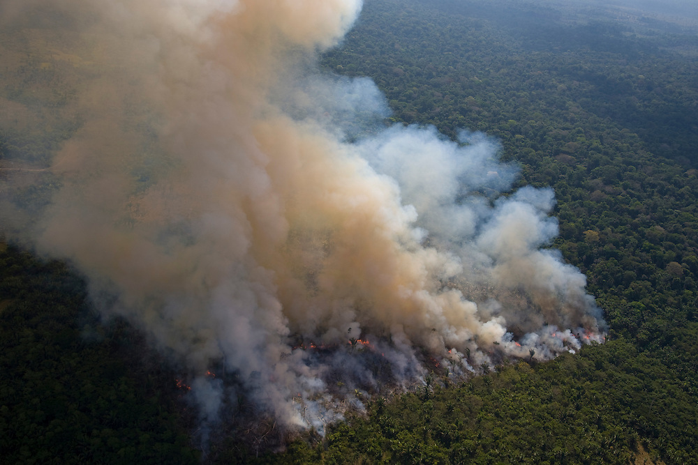 Para State, Brazil. August 27th 2007. Flight from Itaituba to Alta Floresta (Brazilian Amazon).  Tropical forest destruction is responsible for up to one fifth of global greenhouse gas emissions, placing Brazil as one of the top climate polluters in the world.