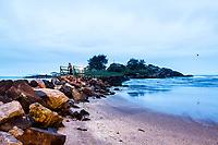 Ponta das Campanhas vista da Praia da Armação. Florianópolis, Santa Catarina, Brasil. / Ponta das Campanhas viewed from Armacao Beach. Florianopolis, Santa Catarina, Brazil.