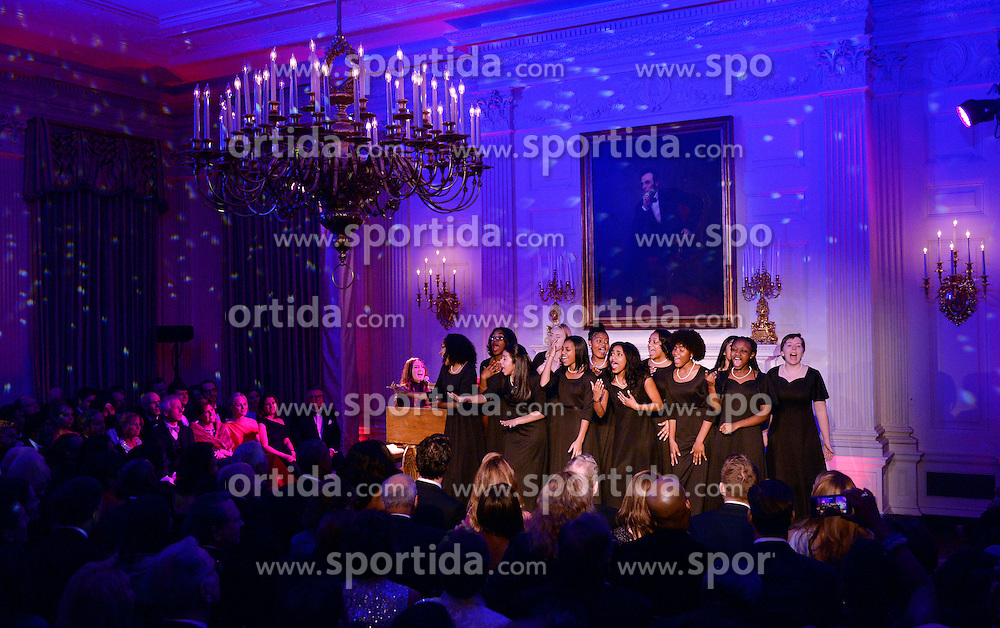 American singer-songwriter Sara Bareilles performs during a state dinner honoring Prime Minister Justin Trudeau of Canada and Mrs. Sophie Gr&eacute;goire Trudeau at the White House March 10, 2016 in Washington, DC. EXPA Pictures &copy; 2016, PhotoCredit: EXPA/ Photoshot/ Olivier Douliery<br /> <br /> *****ATTENTION - for AUT, SLO, CRO, SRB, BIH, MAZ, SUI only*****