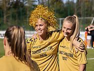 FODBOLD: Julie Tavlo og Frederikke Lindhardt (Brøndby IF) efter kampen i 3F Ligaen mellem Brøndby IF og Fortuna Hjørring den 11. maj 2019 på Brøndby Stadion. Foto: Claus Birch