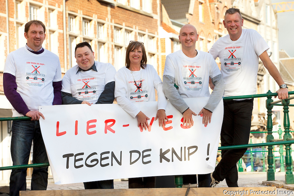370802-Actiegroep Lier Tegen De Knip! -Plasmans Roel, Johan Van Hoof, Mara Op de Beeck, Jan Vermeylen en Johan Uyter-Hoeven-Lier