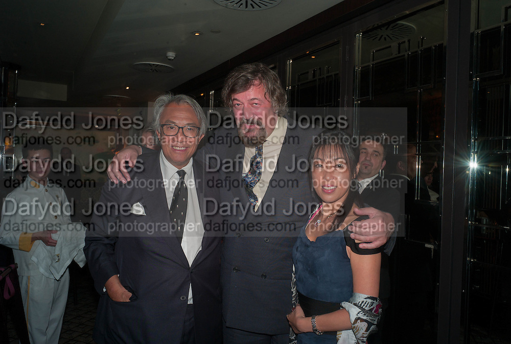 SIR DAVID TANG; STEPHEN FRY; TIGER LI QUAN, Dinner in aid of the China Tiger Revival hosted by Sir David Tang and Stephen Fry  at China Tang, Park Lane, London. 1 October 2013. ,
