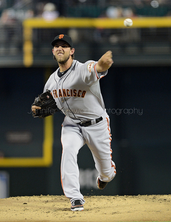 PHOENIX, AZ - JUNE 08:  Starting pitcher Madison Bumgarner #40 of the San Francisco Giants pitches against the Arizona Diamondbacks in the first inning at Chase Field on June 8, 2013 in Phoenix, Arizona. The Giants defeated the Diamondbacks 10-5.  (Photo by Jennifer Stewart/Getty Images) *** Local Caption *** Madison Bumgarner