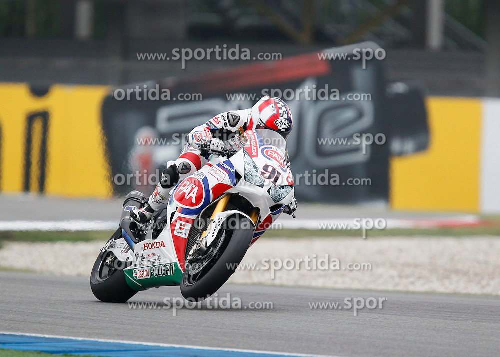 27.04.2014, TT Assen Circuit, Assen, NED, FIM, Superbike World Championship, Assen, Warm Up, Rennen, im Bild 91 Leon Haslam // during the Warm up and Race of Round 3 - Assen FIM Superbike World Championship at the TT Assen Circuit in Assen, Netherlands on 2014/04/27. EXPA Pictures &copy; 2014, PhotoCredit: EXPA/ Eibner-Pressefoto/ Stiefel<br /> <br /> *****ATTENTION - OUT of GER*****