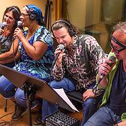 NLD/Hilversum/20130930 - Repetitie Metropole Orkest voor concert, Dian Senders, Ingrid Simons, Han van Eijk en Lodewijk van Gorp