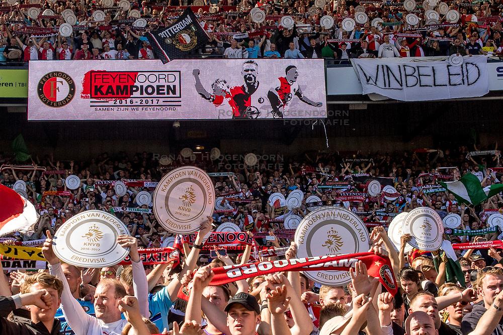 14-05-2017 NED: Kampioenswedstrijd Feyenoord - Heracles Almelo, Rotterdam<br /> In een uitverkochte Kuip pakt Feyenoord met een 3-1 overwinning het landskampioenschap / Support, publiek, Legioen, kampioen, schalen
