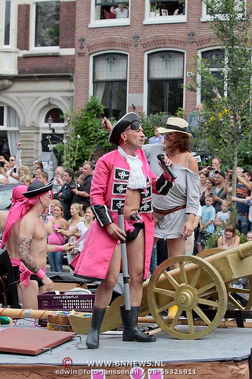 NLD/Amsterdam/20110806 - Canalpride Gaypride 2011, Gaymobil boot