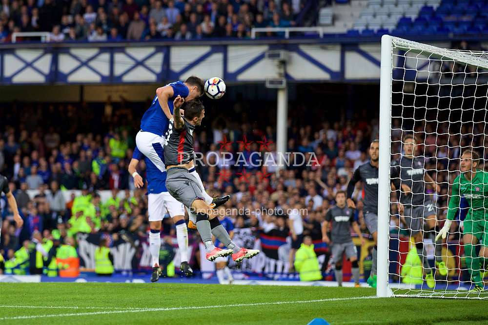 LIVERPOOL, ENGLAND - Thursday, August 17, 2017: Everton's Michael Keane scores the first goal during the UEFA Europa League Play-Off 1st Leg match against HNK Hajduk Split at Goodison Park. (Pic by David Rawcliffe/Propaganda)