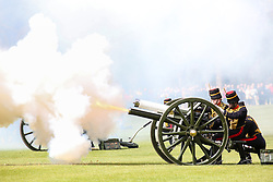 © Licensed to London News Pictures. 21/04/2016. London, UK. A 41-gun salute in Hyde Park, by the King's Troop Royal Horse Artillery, to celebrate HM the Queen Elizabeth II's 90th Birthday. Photo credit : Tom Nicholson/LNP
