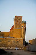Tila Khari merdessa. Registan complex, mosque and coranic schools  Samarcand  Ouzbekistan  .///.Tila Khari madrassa. ensemble des mosquees et ecole coranique, XV VII de la place du Registan  Samarcande  Ouzbekistan .///.OUZB56218