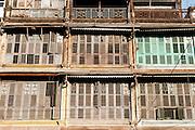 Building wooden blinds in Yangon (Myanmar)