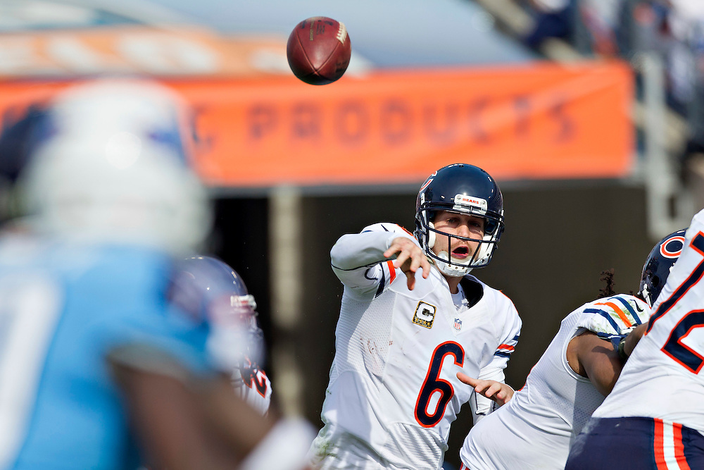 NASHVILLE, TN - NOVEMBER 4:  Jay Cutler #6 of the Chicago Bears throws a pass against the Tennessee Titans at LP Field on November 4, 2012 in Nashville, Tennessee.  The Bears defeated the Titans 51-20.  (Photo by Wesley Hitt/Getty Images) *** Local Caption *** Jay Cutler