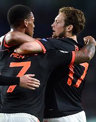15-09-2015 NED: UEFA CL PSV - Manchester United, Eindhoven<br /> PSV kende een droomstart in de Champions League. De Eindhovenaren waren in eigen huis te sterk voor de miljoenenploeg Manchester United: 2-1 / Memphis Depay #7 slalomt door de verdediging en scoort de 1-0, Daley Blind #17