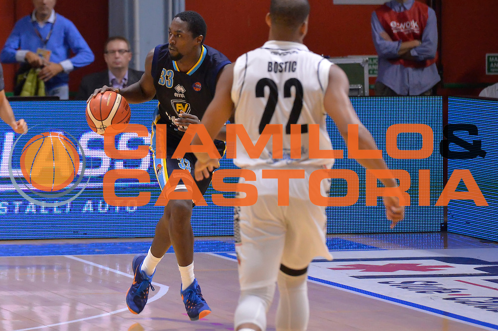 Omar Abdul Thomas<br /> Vanoli Cremona - Pasta Reggia Juve Caserta<br /> Lega Basket Serie A 2016/2017<br /> Cremona, 16/10/2016<br /> Foto Ciamillo-Castoria