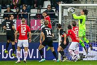 ALKMAAR - 02-02-2016, AZ - HHC, AFAS Stadion, 1-0, AZ speler Levi Opdam (3vl) debuut, AZ keeper Sergio Rochet (r).