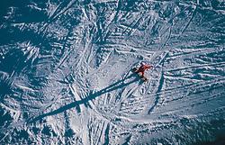 15.03.2020, Kaprun, AUT, Coronavirus in Österreich, im Bild die letzen Touristen auf der Piste bevor das Skigebiet schliesst // the last Tourist on the slopes shortly before the closing. The Austrian government is pursuing aggressive measures in an effort to slow the ongoing spread of the coronavirus, Kaprun, Austria on 2020/03/15. EXPA Pictures © 2020, PhotoCredit: EXPA/ JFK